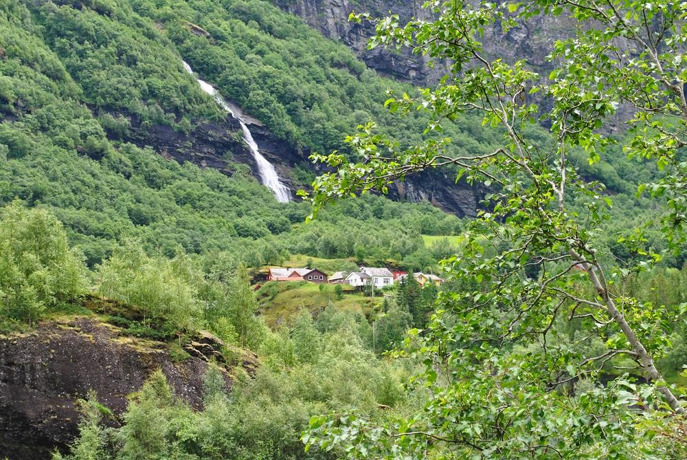 Bergbauernhöfe in extremer Lage, ohne Zufahrt