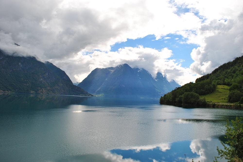 Der See Strynsvatnet